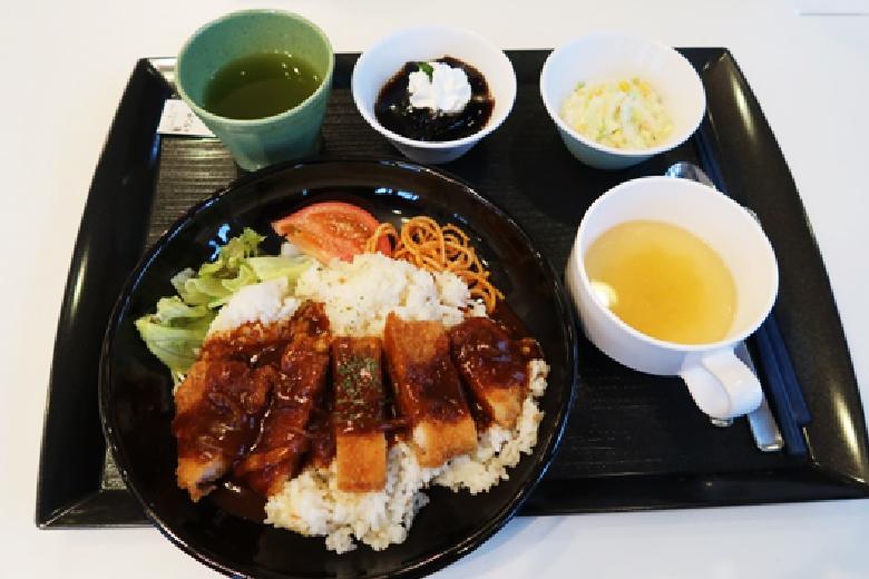 職員食堂「稲佐の森レストラン」料理